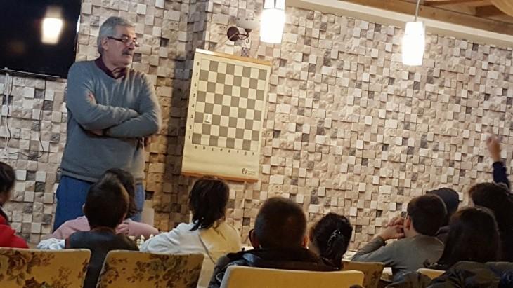 8-12 yaş grubu satranç kursumuz